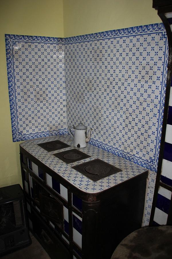 Faience cuisine ancienne apprendre poser un carrelage for Pose de faience dans une salle de bain leroy merlin